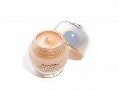 FUTURE SOLUTION LX TOTAL RADIANCE FOUNDATION ROSE 4