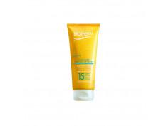 Fluide Solaire peau sèche et mouillée SPF 15